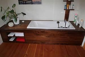 Holz Im Badezimmer : holz im bad holz badwanneneinfassung ~ Lizthompson.info Haus und Dekorationen