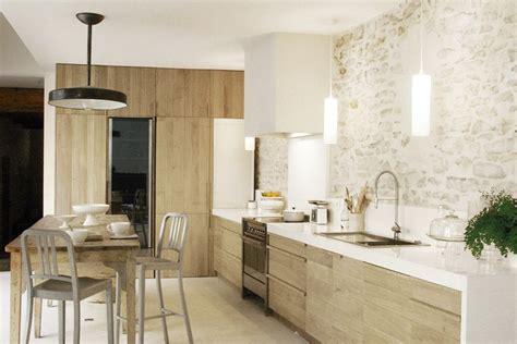 luminaire ilot cuisine magnífica casa de co de paredes de piedra decoración