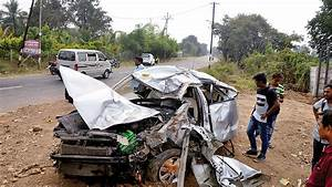 5 Killed In Car Crash  Safety Airbags Burst
