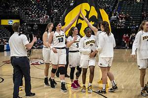 Hawkeye women's basketball in position for a Rutgers ...