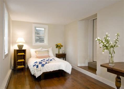 Converting A Garage Into A Bedroom by 25 Best Ideas About Garage Converted Bedrooms On