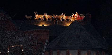 rooftop santa  sleigh  reindeer googleplex murals