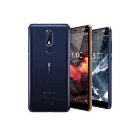 Nokian tehdashuolletut vanhat puhelimet
