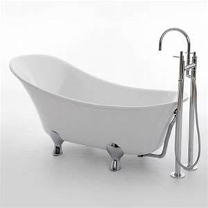 Badewanne Auf Füßen : freistehende badewanne im modernen badezimmer ~ Orissabook.com Haus und Dekorationen