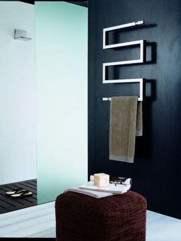 seche serviette design salle de bain 17 meilleures id 233 es 224 propos de s 232 che serviettes sur salle de bains de spa salle de