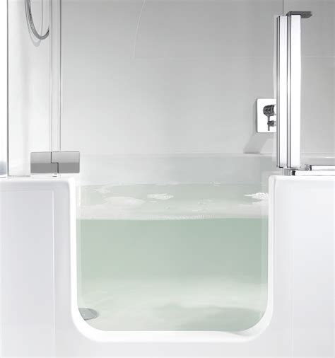 evolution   modern bath tub  shower combo