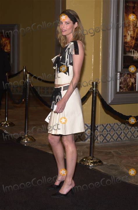 sienna guillory the time machine pictures from quot the time machine quot premiere