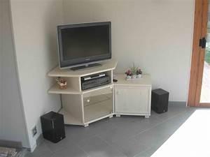 Meuble Tv En Coin : album meubles tv exodia home design tables ceramique ~ Teatrodelosmanantiales.com Idées de Décoration