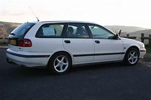Avis Volvo V40 : v40 une voiture qui vaut la l gende volvo avis questions discussions libres ~ Maxctalentgroup.com Avis de Voitures