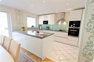 Küche Mit Granitarbeitsplatte : granit arbeitsplatte mit wei en fronten moderne klassik ~ Michelbontemps.com Haus und Dekorationen