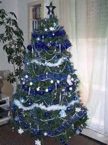 idee deco 187 sapin noel bleu 1000 id 233 es sur la d 233 coration et cadeaux de maison et de no 235 l