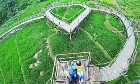 jembatan cinta tempat wisata  purbalingga