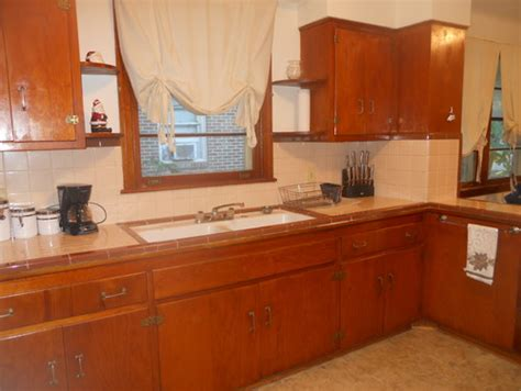 50s style kitchen cabinets need help with 1950 s kitchen 3923