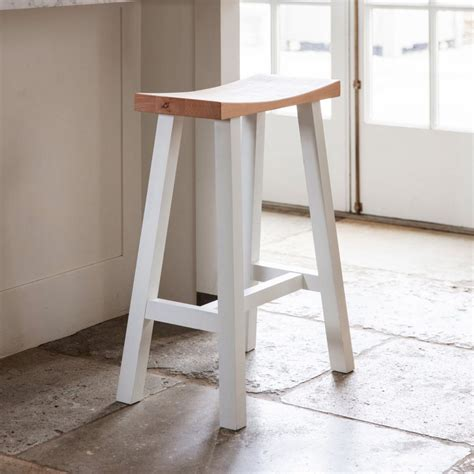White Breakfast Bar Stools by Contemporary White Breakfast Bar Stool Interior Flair