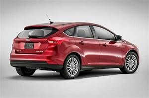 Refreshed 2015 Ford Focus Sedan Shown At New York