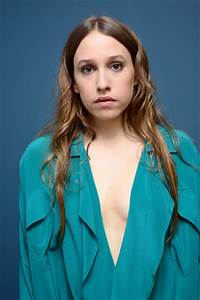 List of Synonyms and Antonyms of the Word: sarah sutherland