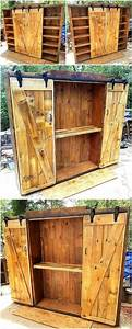 Kleiderschrank Aus Paletten : recycled pallets entertainment center with sliding doors diy und selbermachen pinterest ~ Orissabook.com Haus und Dekorationen