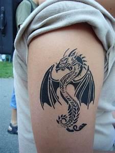 Drachen Tattoo Oberarm : airbrush tattoos zauberkunst comedy mit zauberer thomaselli ~ Frokenaadalensverden.com Haus und Dekorationen