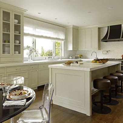 pics of kitchens with white cabinets like this cabinet color benjamin bavarian 9096