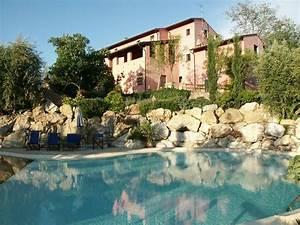 Le Garde D Arno : villa le rondini montopoli in val d arno italy ~ Dode.kayakingforconservation.com Idées de Décoration
