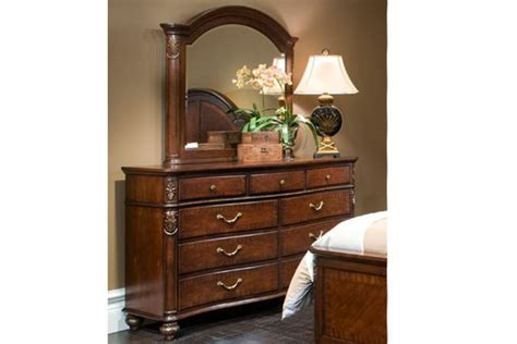 Bloomfield King Bed, Dresser With Mirror, Chest, Nightstand & 32