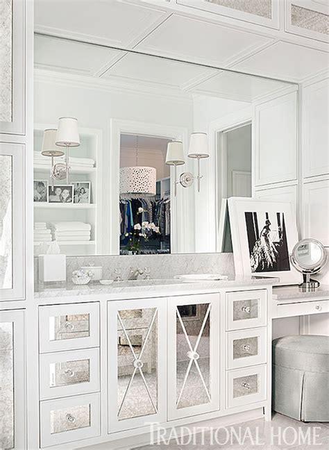mirrored  mullion transitional bathroom traditional