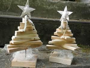 weihnachtsdeko aus holz weihnachtsdeko nostalgischer weihnachtsbaum aus paletten holz ein designerstück