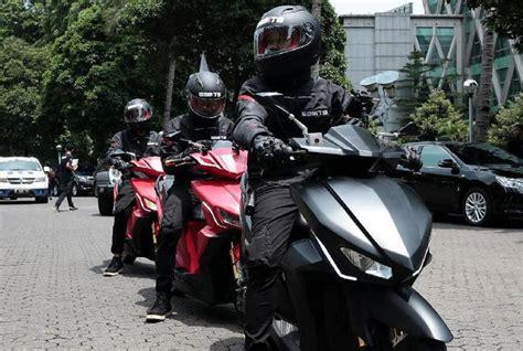 Review Gesits Electric by Uji Jalan Gesits Jakarta Bali Tempuh Jarak 1 200 Km Autos Id