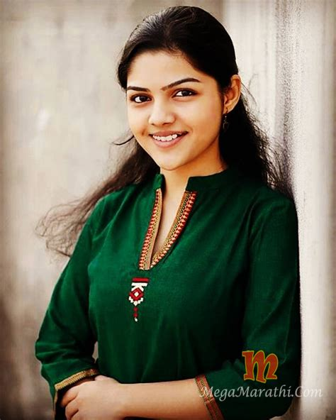 aarya ambekra marathi singer actress biography info wiki songs