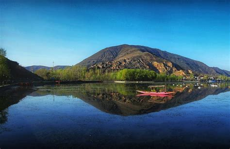 Houseboat Dal Lake by Houseboats In Dal Lake Where Royalty Meets Comfort