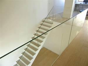 Garde Corp Escalier : garde corps design en verre trescalini ~ Dallasstarsshop.com Idées de Décoration