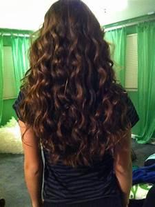 Long curly brown hair | krullen | Pinterest | Long curly ...