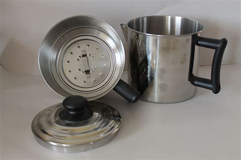 When you have had your old coffee maker for far too long and it is time to get a newer version, disposing of it can be hectic. Old Fashioned Drip Coffee Maker | Cooking Utensils