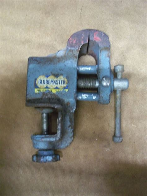 vintage globemaster small bench clamp  vise collectible
