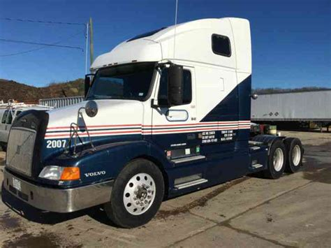 commercial volvo trucks for volvo vnl 660 1999 sleeper semi trucks