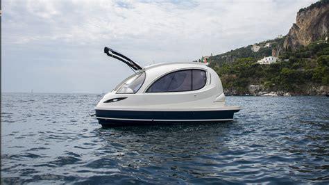 Jet Boat Yacht by Jet Capsule The Mini Pod Like Yacht Gt Engineering