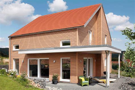 Haus Mit Holzfassade haus mit holzfassade schw 246 rerhaus