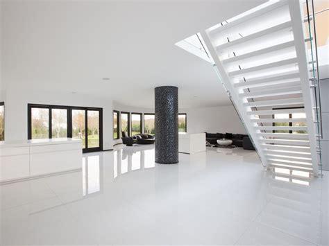 Gerade Treppe Modern by Freitragende Gerade Offene Treppe Aus Holz Und Glas Future