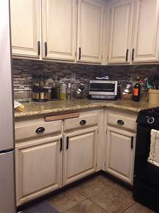 Photo cabinet transformations reviews images rustoleum for Kitchen cabinets lowes with 3d balloon wall art