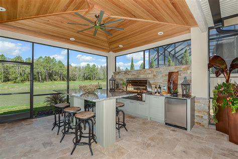 winner  outdoor kitchen  tampa bay parade  homes