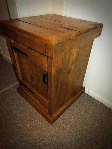 pallet nightstand  table pallet furniture plans
