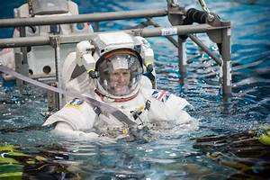 Tim Peake set for 6-hour spacewalk to replace ISS power ...