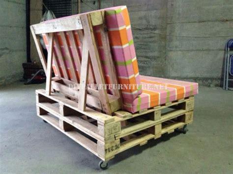 canap en palette en bois canapé mobile avec des palettesmeuble en palette meuble