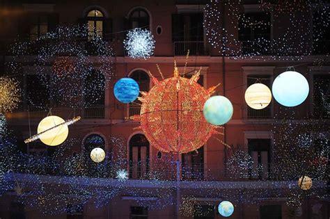 Salerno Illuminazioni Natalizie by Le Citt 224 Con Le Di Natale Pi 249 Mondo