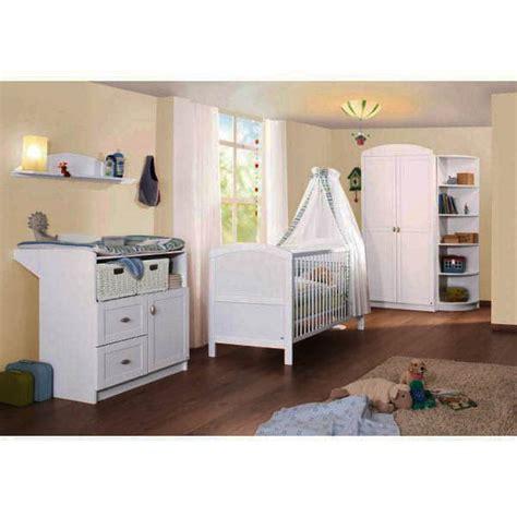 chambre bebe bois chambre bébé en bois laqué blanc