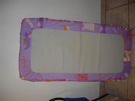 les f 233 es tisseuses drap housse lit a barreaux
