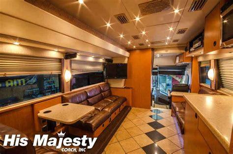 entertainer coaches  entertainer bus rentals  hmc