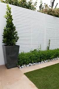 10 modele de garduri de gradina craiova amenajari spatii for White garden walls