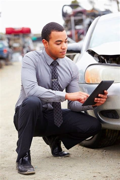Percent of policy face value paid out. What the Insurance Adjuster Won't Tell You After A Car Accident   Rush Injury Law