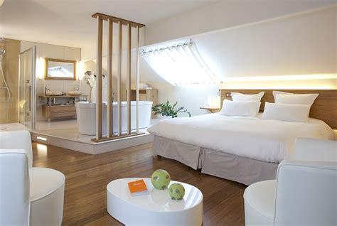 chambre avec salle de bain ouverte et dressing chambre avec salle de bain chambre a coucher avec salle